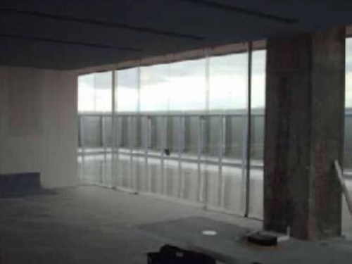 oficinas ejecutivas en centro de negocios titanium