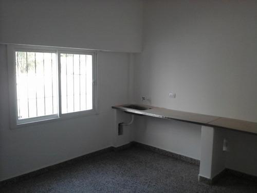 oficinas en alquiler frente plaza de libertad y bco pcia