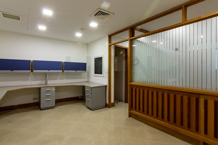 oficinas en arriendo aguacatala 494-3525