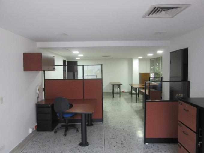 oficinas en arriendo aguacatala 495-38308