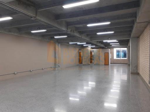 oficinas en arriendo aguacatala 643-2562