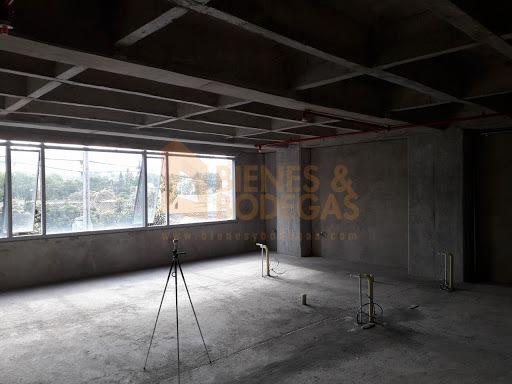 oficinas en arriendo aguacatala 643-3630