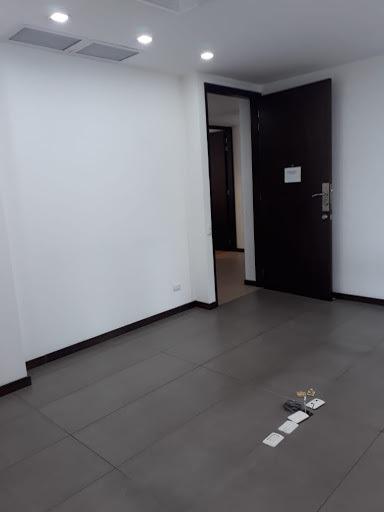 oficinas en arriendo milla de oro 472-689