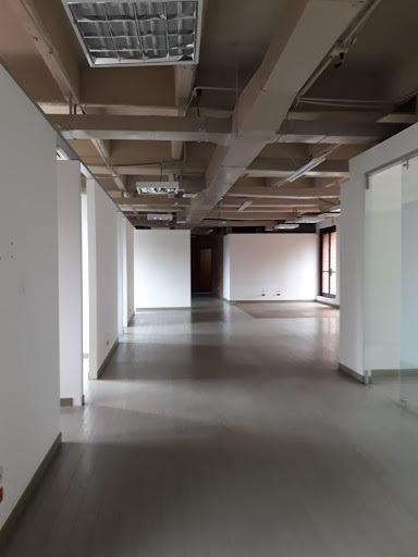 oficinas en arriendo milla de oro 472-990