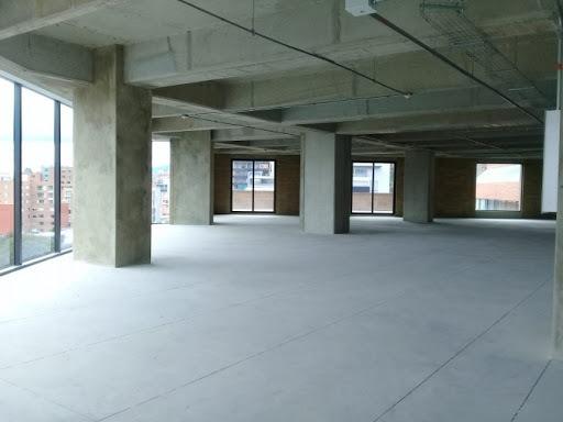 oficinas en arriendo santa barbara 90-56803