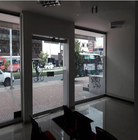 oficinas en arriendo santa barbara ii 689-698