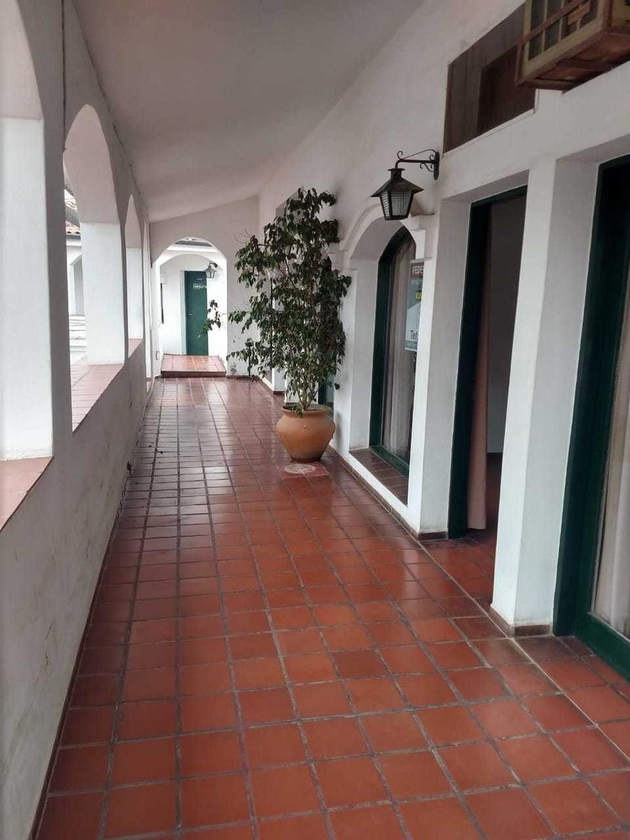 oficinas en el centro de la villa!!