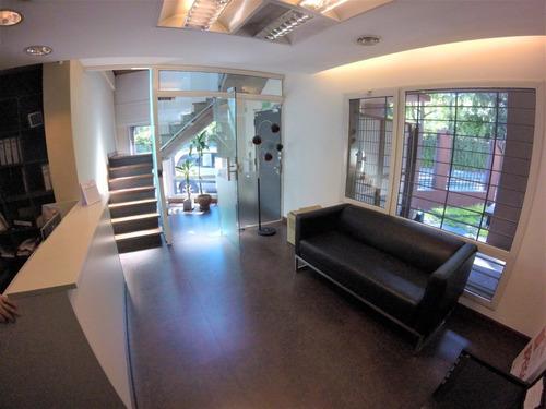 oficinas en lote propio // villa sarmiento // venta