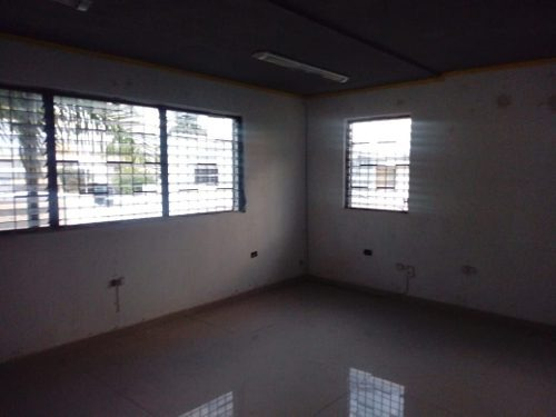oficinas en planta alta en avenida principal, colonia san esteban.