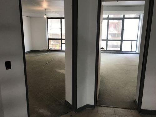 oficinas en planta alta sin expensas al frente!!