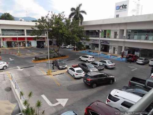 oficinas en plaza al norte de la ciudad ! col. tlaltenango clave or660
