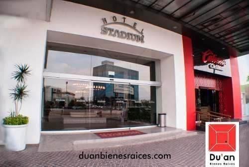 oficinas en renta a un lado del estadio
