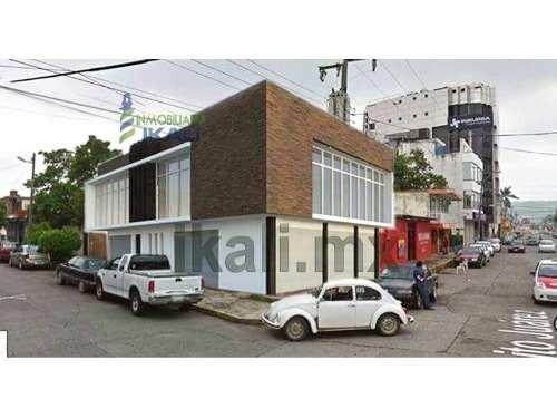 oficinas en renta en colonia tajin de poza rica veracruz, se encuentran ubicados en la avenida juarez esquina insurgentes de la colonia tajin, en la planta baja cuenta con un local comercial y 2 ofic