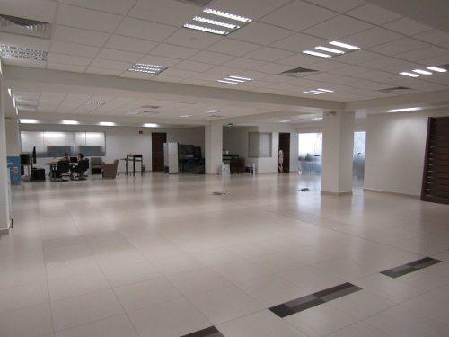 oficinas en renta en obra gris en edificio corporativo