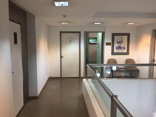 oficinas en venta, 300m2. apto rubro salud. a metros de h. yrigoyen! excelente