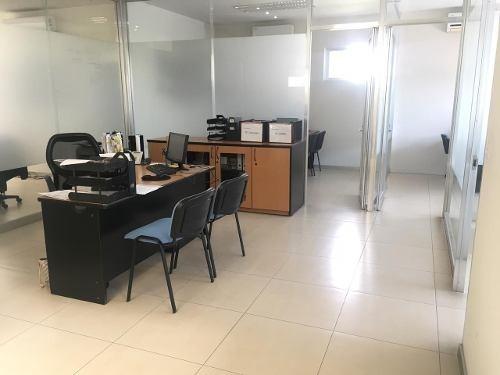 oficinas en venta pueblo nuevo, a una cuadra de paseo consti