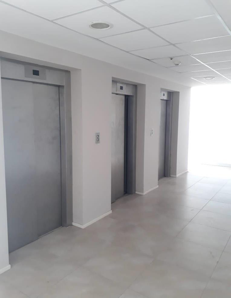 oficinas frente al aeropuerto en alquiler