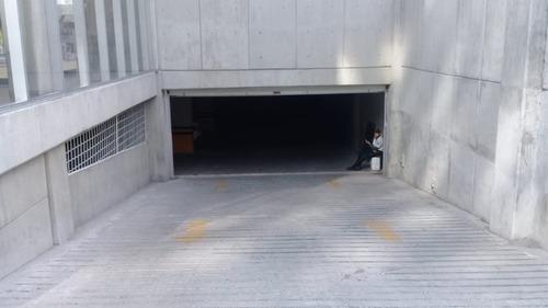 oficinas premium frente andares en puerta de hierro zapopan