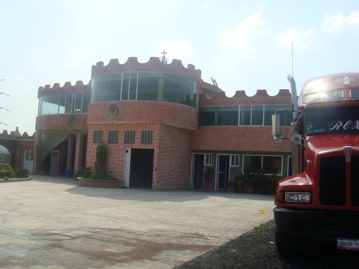 oficinas tipo castillo y  patio logistico