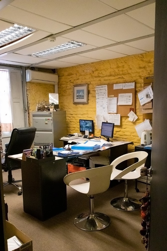 oficinas y local en excelente estado