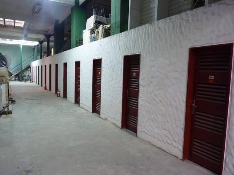 ofina en venta planta baja con cochera entrada independiente