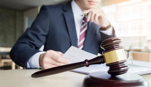 ofrecemos servicios legales especializados
