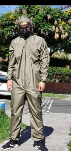ofrezco trajes en tela antifluido al por mayor y detal