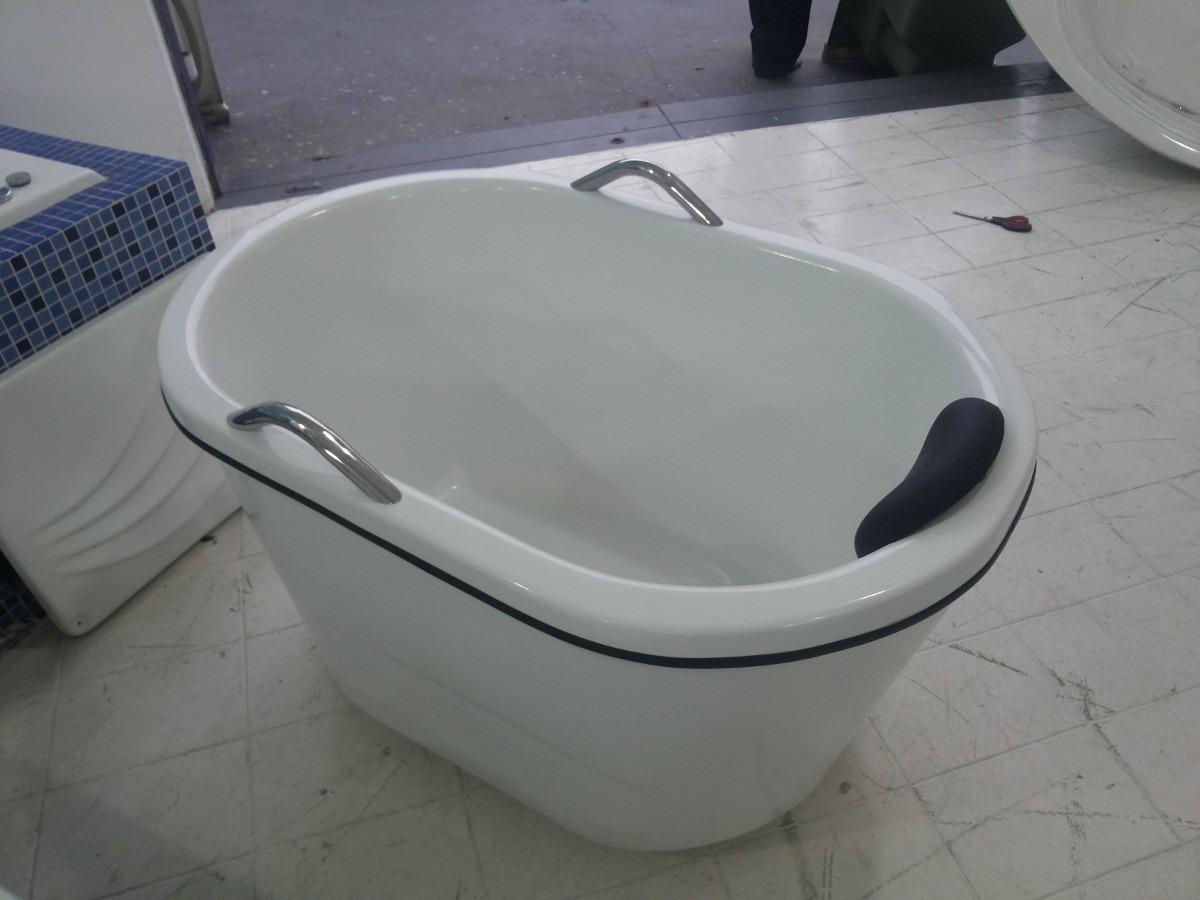 Ofurô Com E Sem Hidro Banheira E Spa Hidromassagem E Tampa  R$ 1300,00 em  -> Mini Banheiro Com Banheira