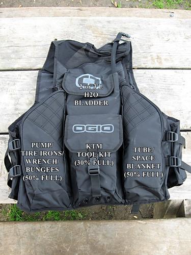 ogio flight vest con bolsa de agua stealth chaleco