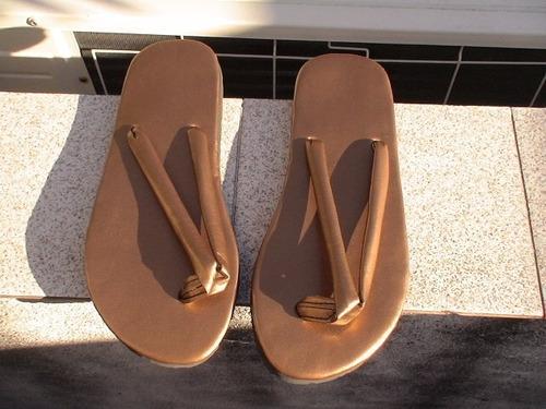ojotas color bronce n°39 con suela de goma. ultimo par!!