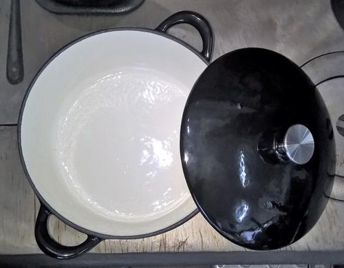 olla de fundición tipo lodge esmaltada 4 1/2lts t horno