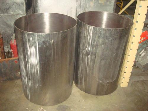 ollas de acero  (200 litros)