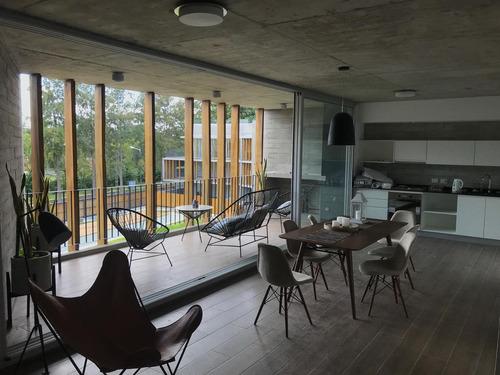 om. punta chica · 3  amb c/ balcon terraza · cochera · a estrenar ·