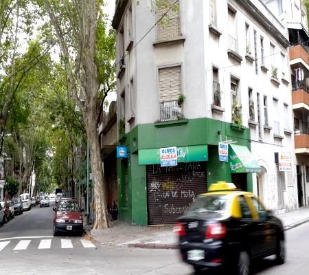 once alquilo local en esquina h irigoyen 3279 $ 45000