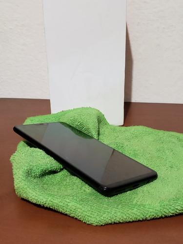 one plus 6 de 8 ram 128 rom mirror black excelentes condicio