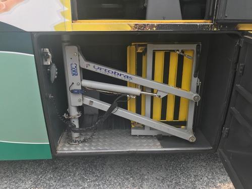 onibus irizar com elevador para embarque de cadeirantes