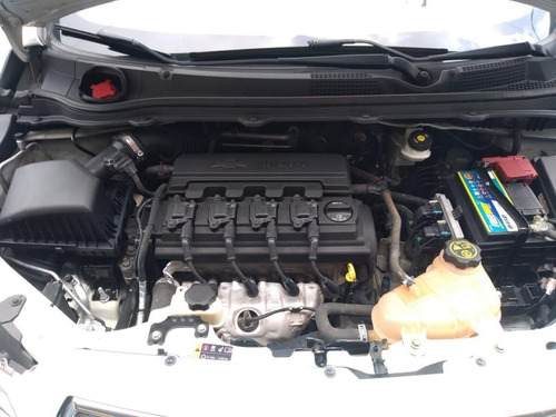 onix hatch lt 1.4 8v flexpower 5p aut. ano 2015