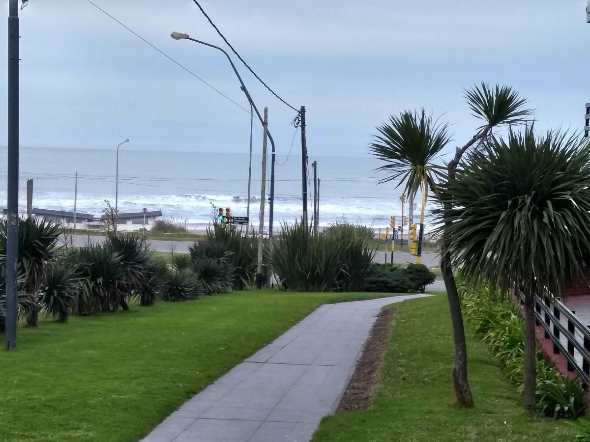oportunidad ..2 amb a metros del mar ..faro .. las mejores playas !!!