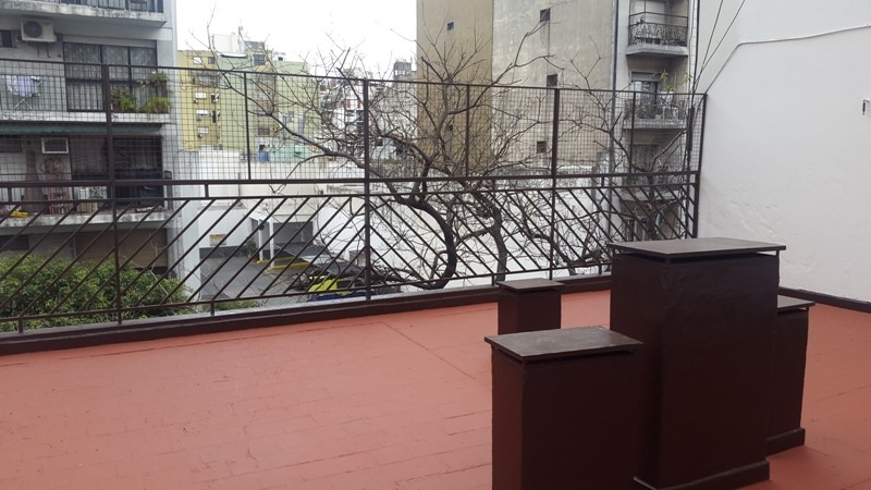 oportunidad 2 amb. con terraza propia de 105 m2 totales