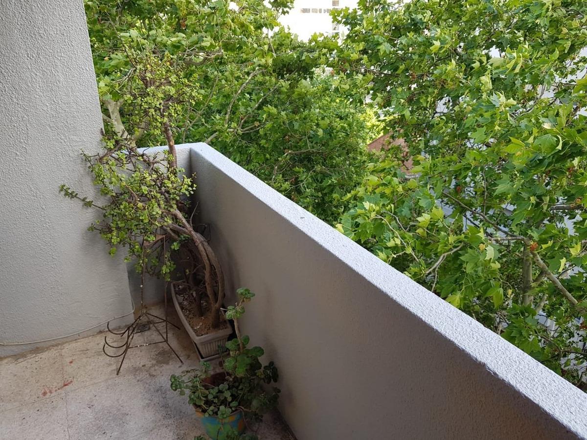 oportunidad!! 3 amb con dependencia a la calle con balcón saliente