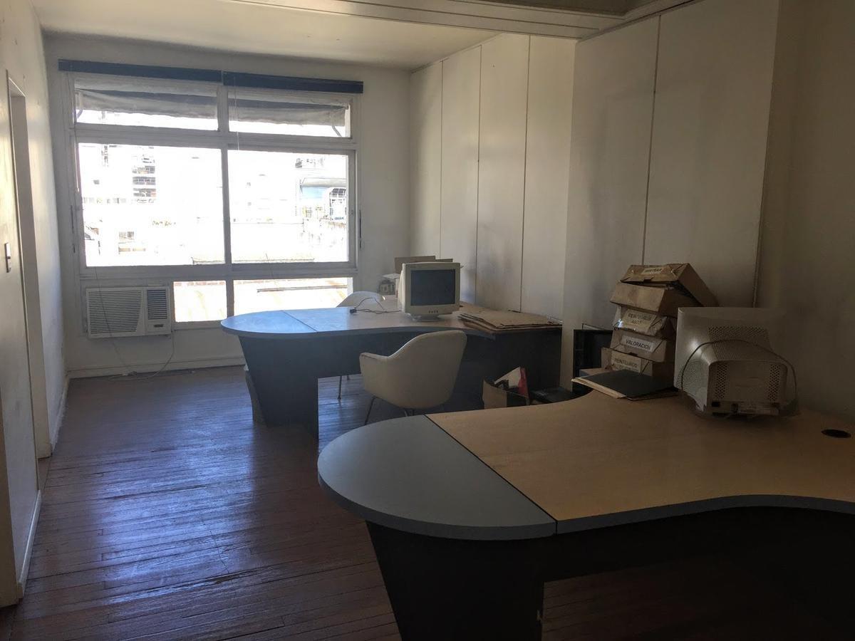 oportunidad - 65 m2 de oficinas en piedras al 100, muy luminosas