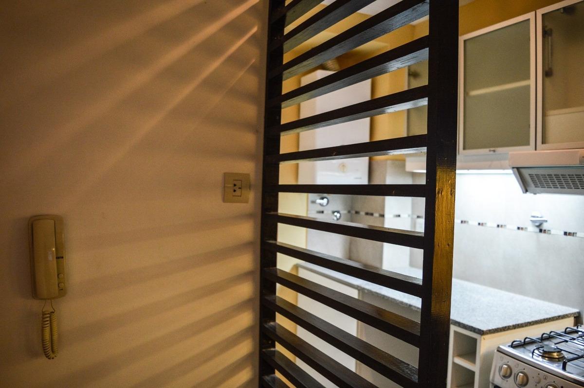 oportunidad - acogedor departamento interno de 1 dormitorio - reciclado - cercano a pellegrini