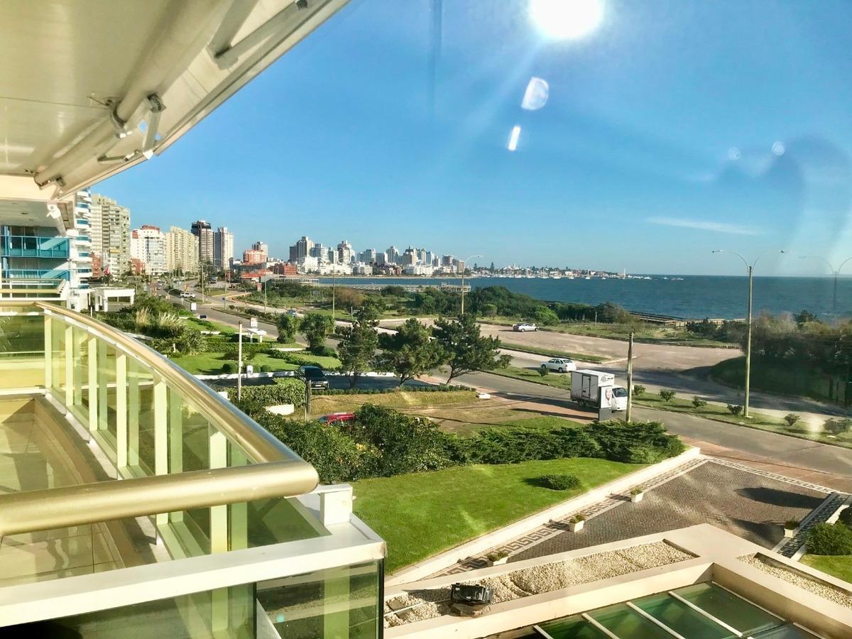 oportunidad apartamento fte al mar 3 dorm. playa mansa