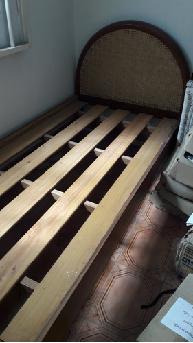 oportunidad! cama 1 plaza + mesa de luz