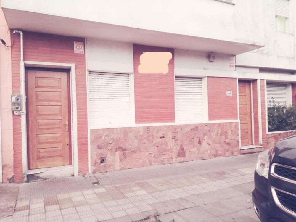 oportunidad casa 3 dormitorios centro.-