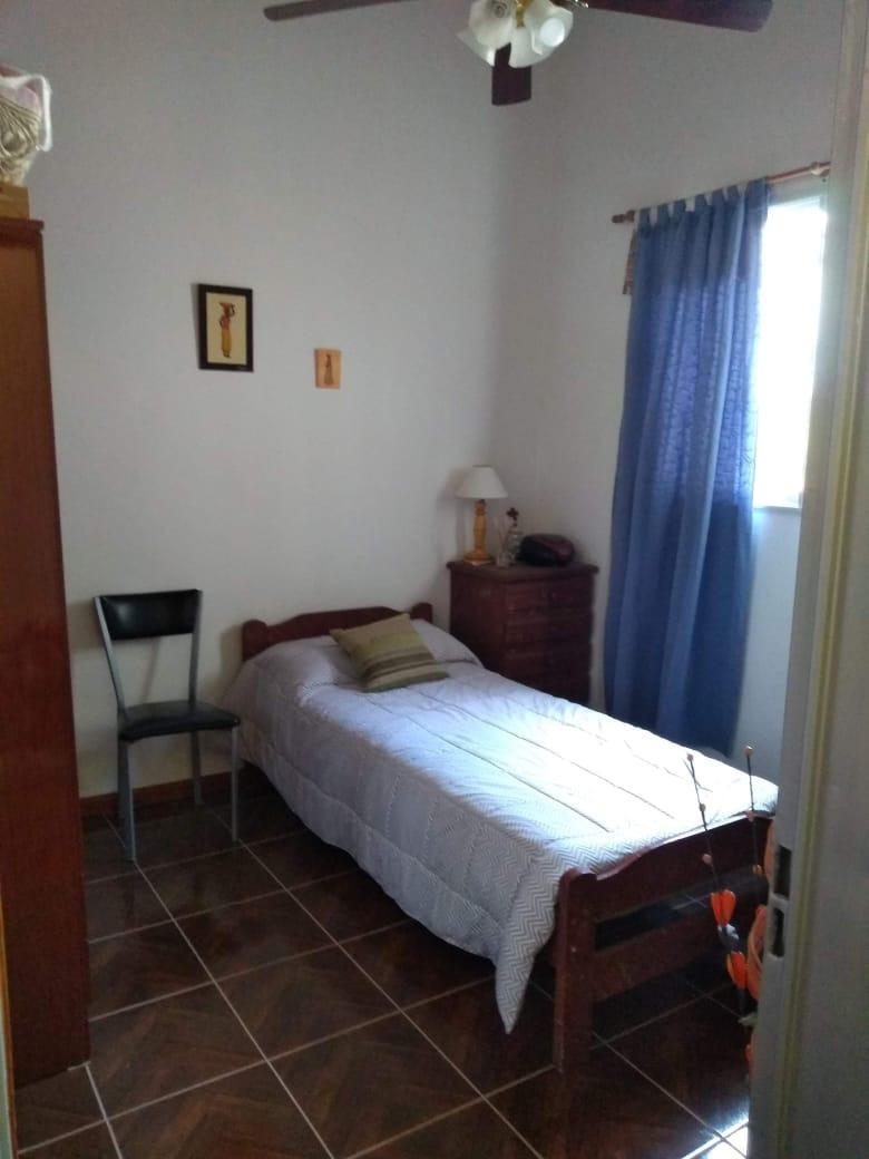 oportunidad !! casa 3 dormitorios, garage, 2 baños, living