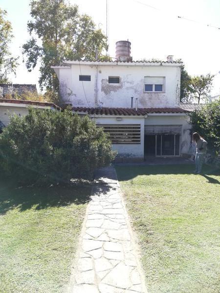 oportunidad casa a refaccionar en jardín espinosa
