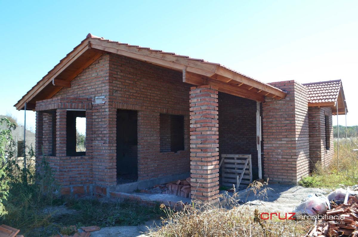 oportunidad casa a terminar en carpinteria