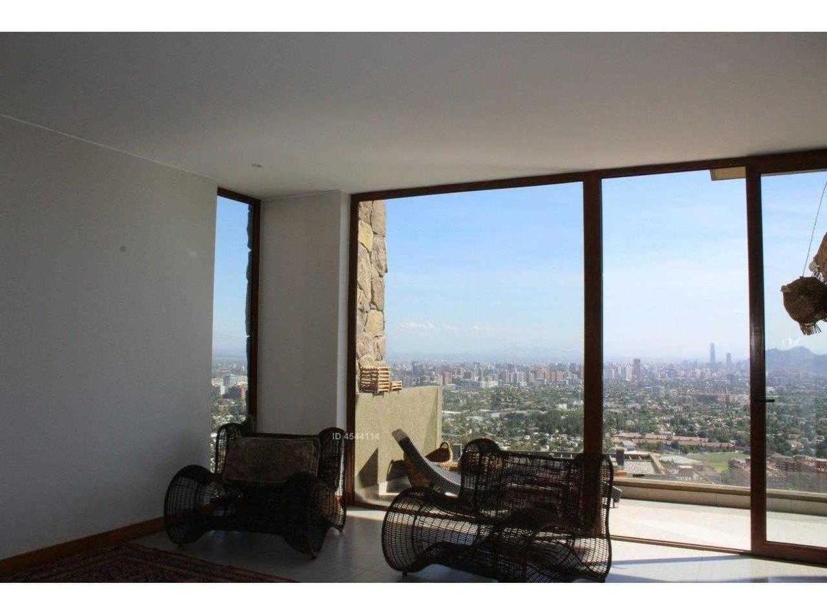 oportunidad casa con espectacular vista a santiago y el terreno mas grande del condominio