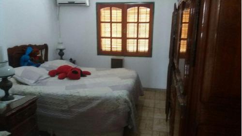 oportunidad! casa en venta - 2 dorm, 2 locales - b° zumaran